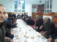 Eskil'de Sabah Namazı Sonrası Şehitler İçin Dua Edildi ve Çorba İkramında Bulunuldu