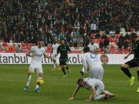 Süper Lig: Konyaspor: 0 - Kasımpaşa: 0 (İlk yarı)