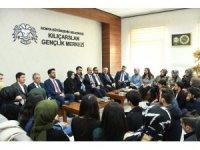 Bakan Kurum üniversiteli gençlerle buluştu