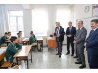 Vali Toprak ve Başkan Kavuş'tan duyarlı öğretmenlere teşekkür ziyareti