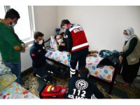 Aksaray'da UMKE ekibi yaşlıları evlerinde tedavi ediyor
