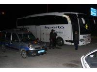 Şehirler arası seyahat eden yolcu otobüslerinde polis denetimi sıklaştı