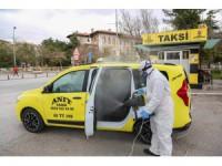 Meram'da taksi ve dolmuşlar ilaçlanıyor