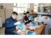 Konya'da iki meslek lisesi koruyucu maske üretti