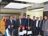 Cihanbeyli Belediye Başkanı Kale Şampiyonları Ağırladı