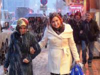 Konya ve Aksaray'da kuvvetli lodos uyarısı