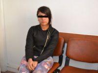 Yalnız Seyehat Eden Genç Kızı Jandarma Yakaladı