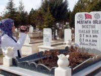 Mezar Taşlarıyla O Hastalıktan Ölenlerin Sayısını Belirleyecek