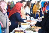 """Aksaray Üniversitesi'nde """"Yetimlerle El Ele"""" Kermesi!"""
