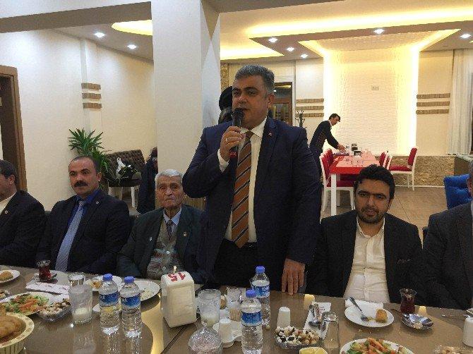 Başkan Özgüven'dan gazeteciler onuruna yemek