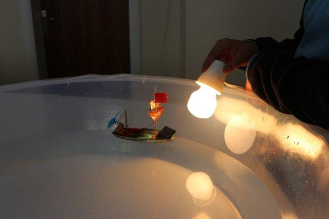 11 yaşındaki öğrenciden yenilenebilir enerji ile çalışan gemi