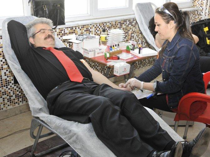 Selçuk'tan Kızılay'a kan bağışı