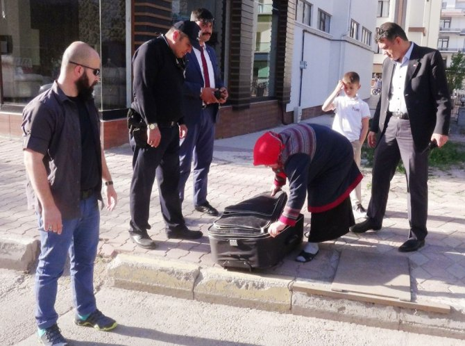 Aksaray'da şüpheli valiz paniği