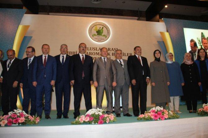 """Konya'da """"Birinci Uluslararası Tıbbi Ve Aromatik Bitkiler Kongresi"""""""
