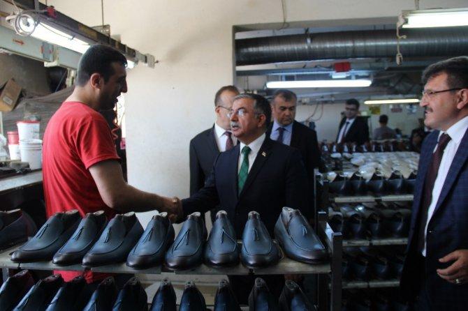 Bakan Yılmaz, Konya'da çeşitli ziyaretler gerçekleştirdi
