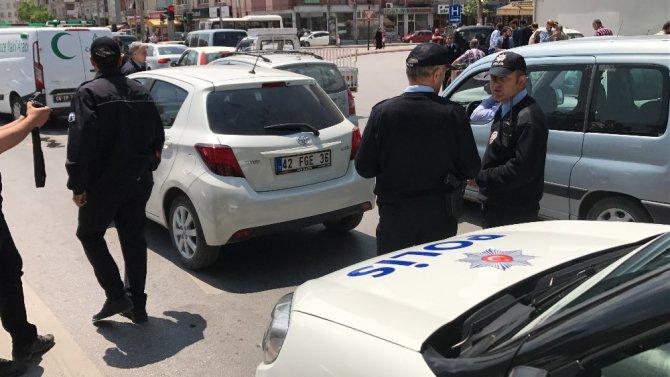 Trafikte tartıştığı hamile doktoru silahla vurdu