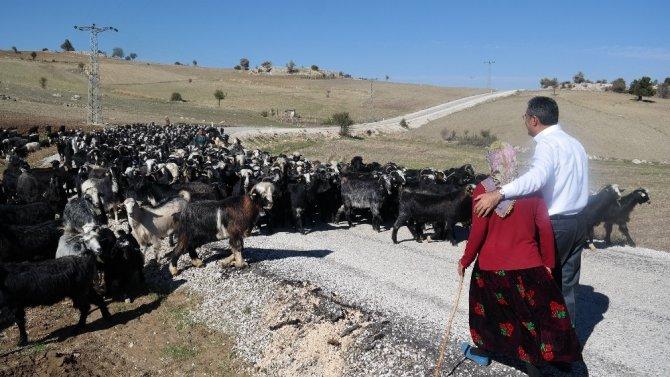 """Konuk: """"İlham kaynağımız anne şefkati ve çiftçilerimizin eşsiz gayretidir"""""""