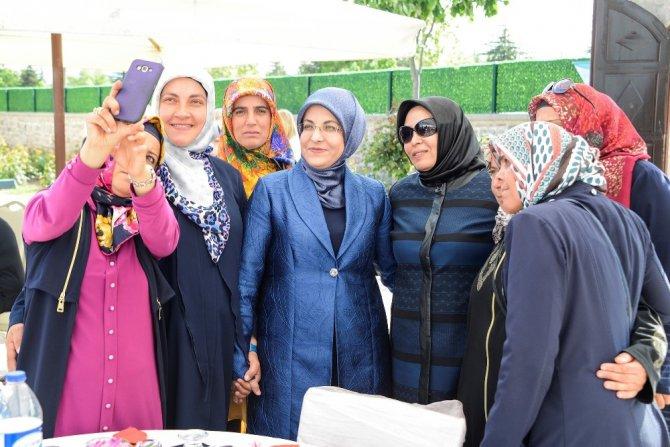 Meram Kadın Meclisinden Anneler Günü programı