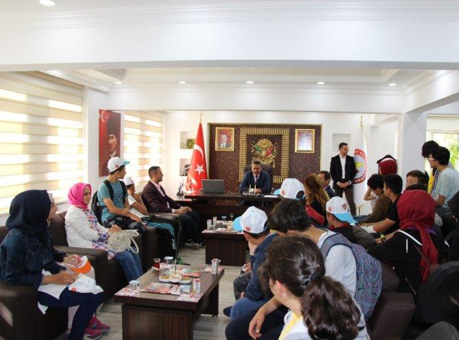 Başkan Tutal, Gazi Ortaokulu öğrencilerini ağırladı