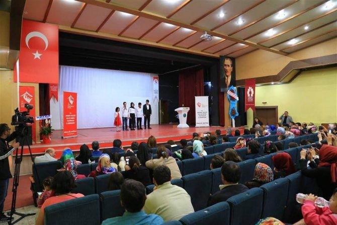 Aksaray'da 'Bizim Çocuklar' adlı program düzenledi