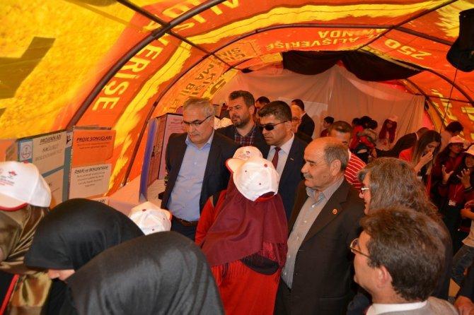 Kulu İmam Hatip Ortaokulunda 4006 TÜBİTAK Bilim Fuarı açıldı