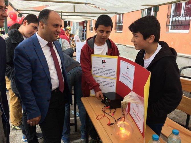 Başkan Özaltun, bilim fuarlarında öğrencilerle buluştu