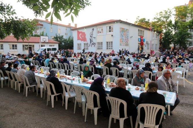 Aksaray'da mahalle iftarı