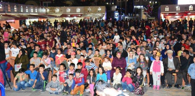 Aksaray'da Ramazan Sokağı'nda şehitlere Kur'an-ı Kerim okuttu