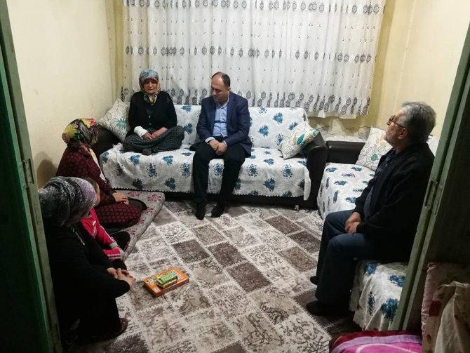 Başkan Özaltun'dan Ramazan ayında çat kapı ev ziyaretleri