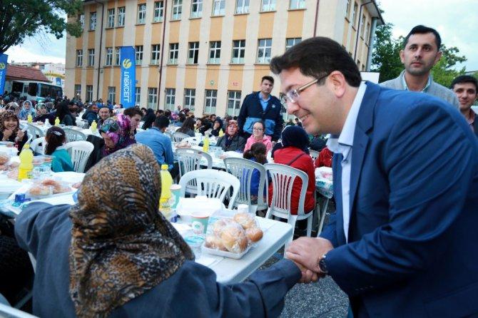 Aksaray Belediyesi 5 bin kişiye iftar yemeği verdi