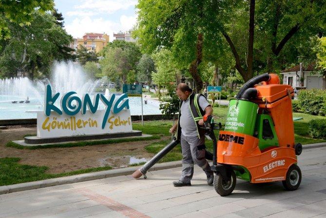 Konya şehir merkezi Ramazan ayında 24 saat temizleniyor