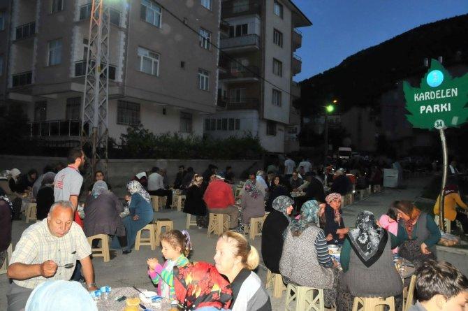 Akşehir Belediyesi'nin mahalle iftarları devam ediyor