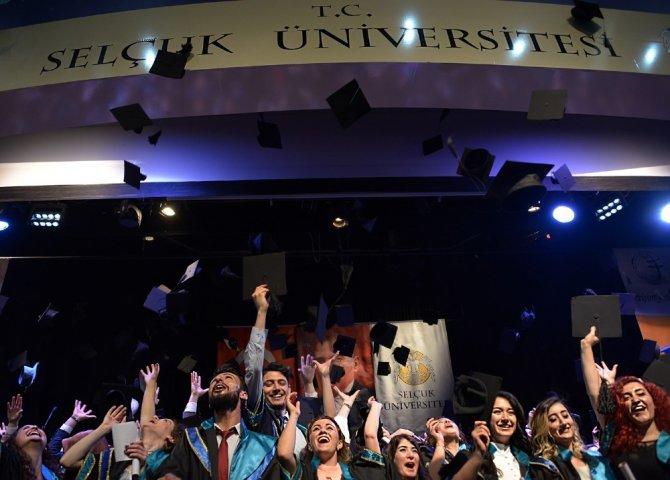 Selçuk İletişim'de mezuniyet heyecanı