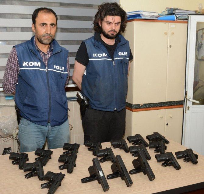 PKK'nın silah taşıyıcısı 18 tabancayla Aksaray'da yakalandı