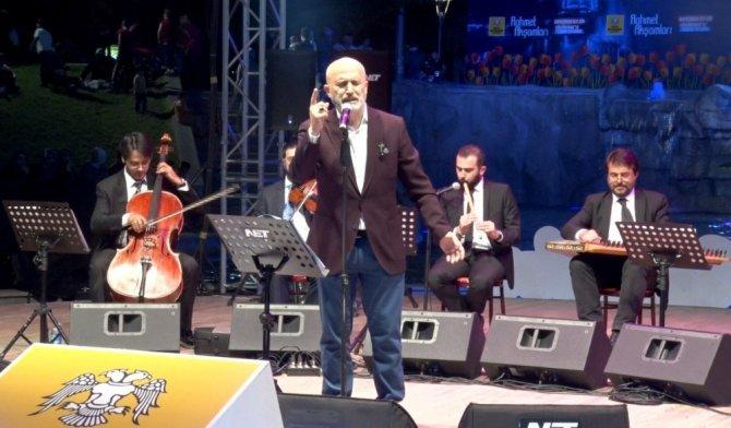Konya'da Rahmet Akşamları Halil Necipoğlu'nu ağırladı