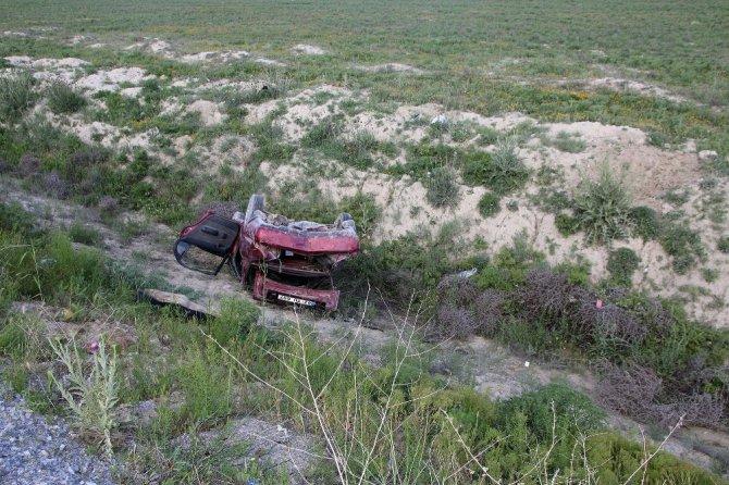 Konya'da otomobil şarampole yuvarlandı: 1 ölü, 3 yaralı