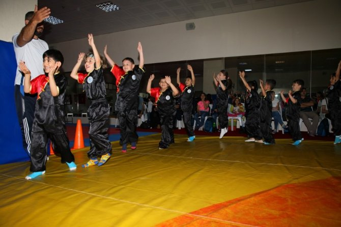 Spor okulları 10 bin kişi ile start verdi