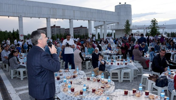 Konya'da Cemil Meriç anıldı