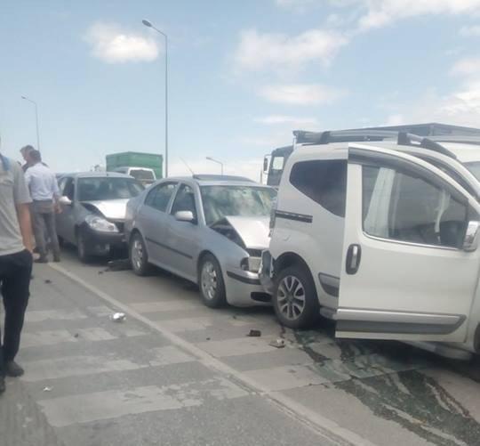 Konya'da zincirleme kaza: 13 araç birbirine girdi