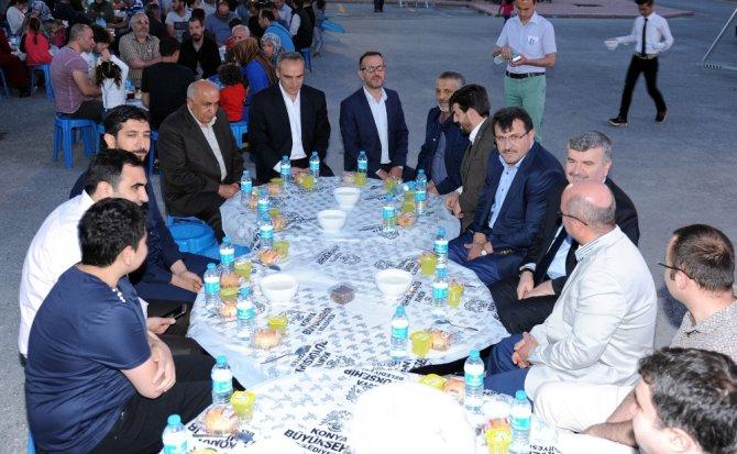 """Akyürek: """"Konya'nın başarısı birlik ve beraberlikten kaynaklanıyor"""""""