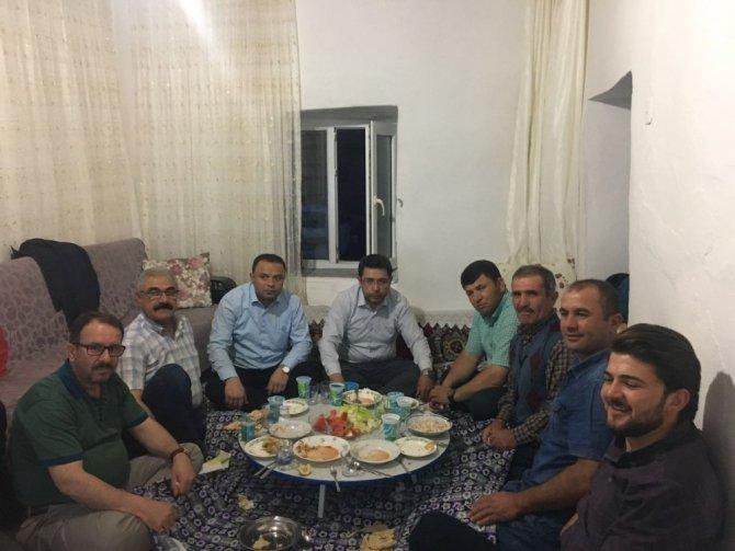 AK Parti heyeti Şehit Kazım Ayın ailesiyle iftar yaptı