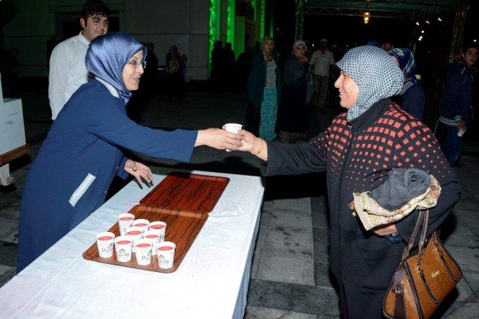 Meram'da Kadir Gecesi coşkusu