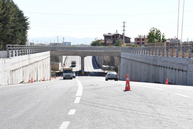 Konya-Karaman YHT hattında iki alt geçit trafiğe açıldı
