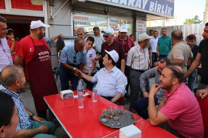 Başkan Yazgı, alt geçit yapılacak bölgedeki esnaflarla görüştü