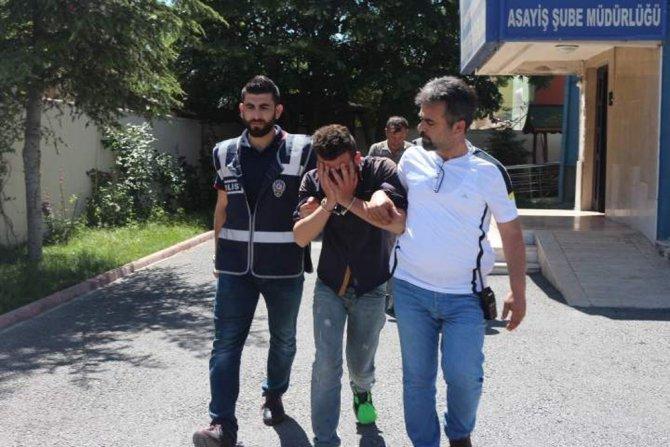 Sinyal kesici jammerla 13 bin lira çalan şüpheliler yakalandı
