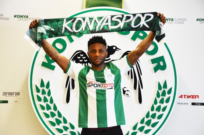 Konyaspor'un yeni transferi Ezekiel, imza attı