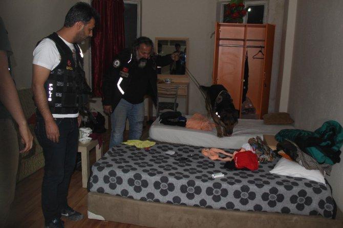 Konya'da eğlence mekanlarına baskın