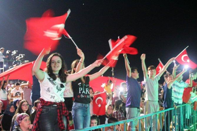 """Başkan Özaltun: """"15 Temmuz'u gençlerimize unutturmayacağız"""""""