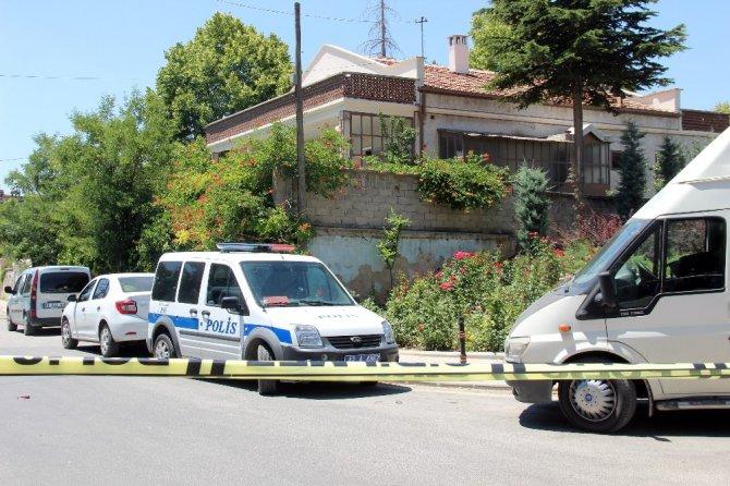 Teröristlerin evinde 3 kilo TNT patlayıcı ve canlı bomba yeleği bulundu