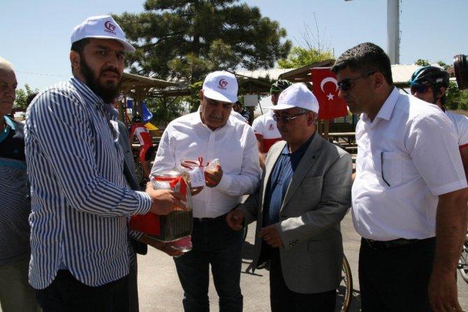 Şehit Ömer Halisdemir'in kabrine Kulu'dan toprak